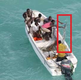 201311_Suspected-pirates-dropping-ladders-into-the-sea-ladder-highlighted