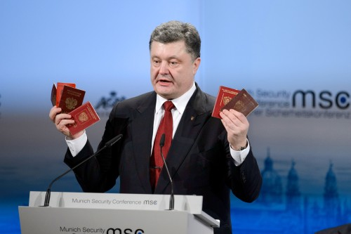 Poroshenko-Passports_msc2015