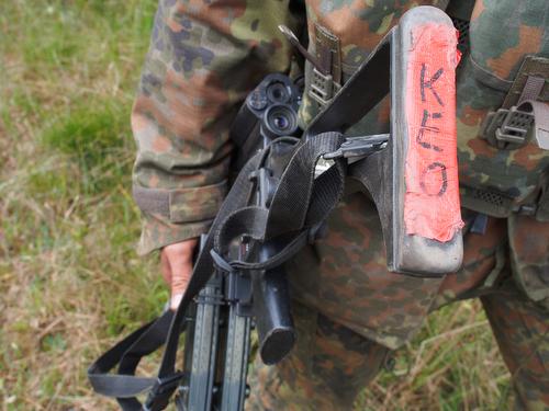 BERGEN 03jun2015 - †bung FALCON VIKING auf dem TruppenŸbungsplatz Bergen/Niedersachsen fŸr die Interim Very High Readiness Joint Task Force (VJTF) im Rahmen der NATO Response Force. Der deutsche Gefechtsverband NRF, im Kern PzGrenBtl 371.