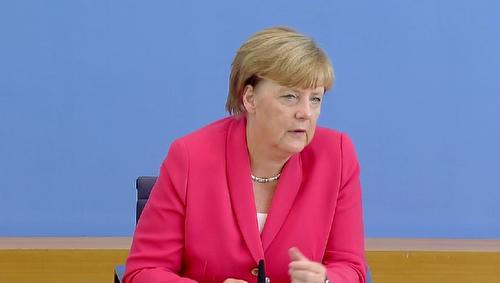 Merkel_presser_scrn_20150831