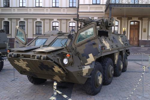 20151015_BTR-4E_in_KyivA