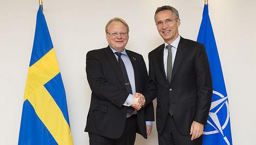 20141118_NATO_Sweden_Stoltenberg_Hultquist