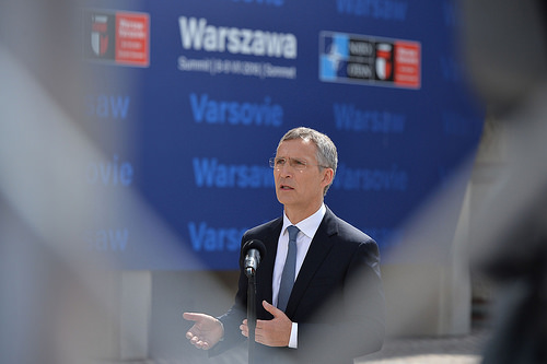 20160708_NATO_Stoltenberg_doorstep