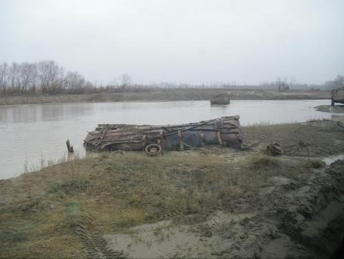 20111125_kunduz_tanklaster_wrack