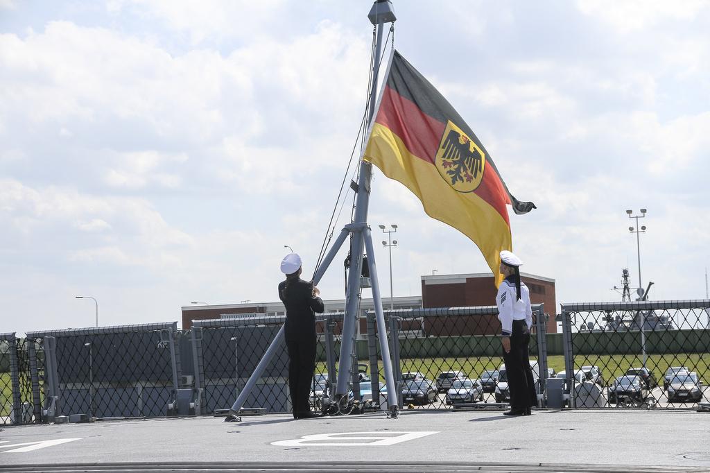 Paar Jahre Spater Als Geplant Marine Stellt Erste Fregatte F125 In Dienst Augen Geradeaus